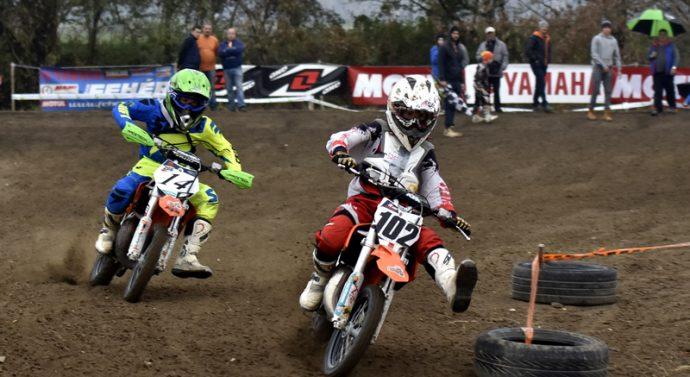 Motocross verseny Esztergom-Kertvárosban